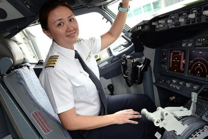 From Accountant To Female Pilot Latest Singapore News