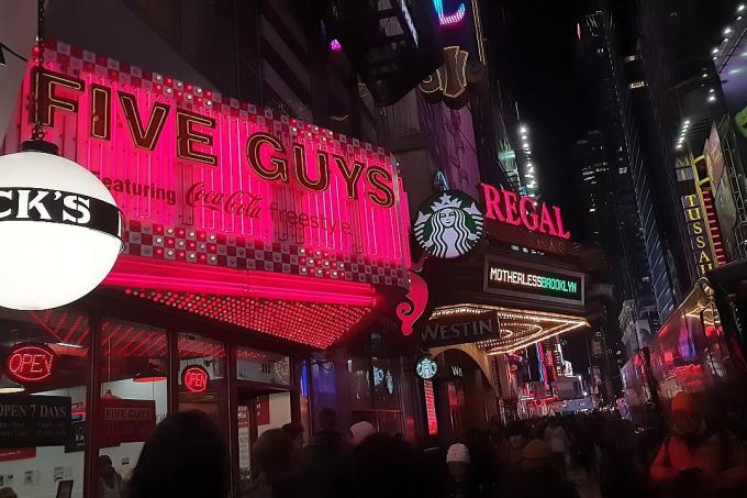 Makansutra: Rich, addictive burgers at Five Guys
