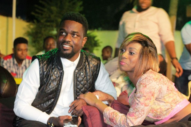 Sarkodie ft. Raquel – Hold On (Prod. by Shaker)