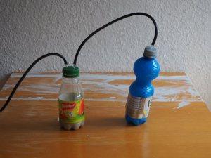 Gär- und Waschflasche sind verbunden