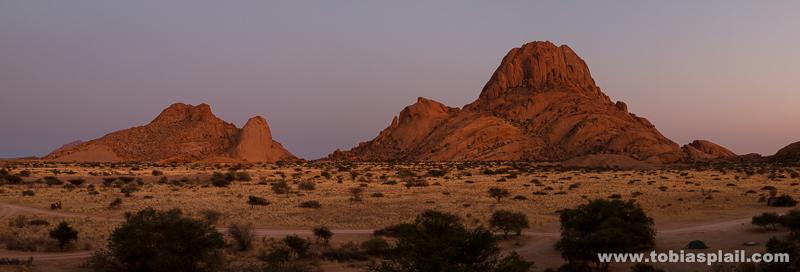 Spitzkoppe right before sunrise