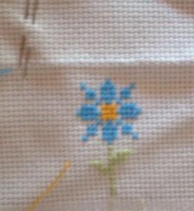 Punto a croce - fiorellino
