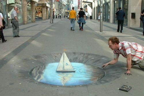 Street art barchetta