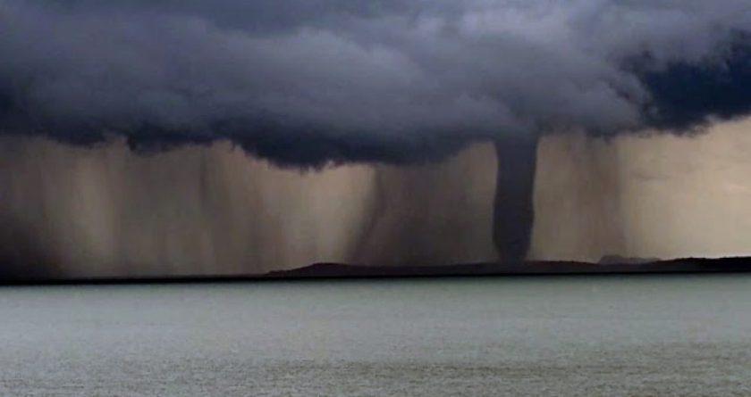 Vídeo: Tromba d'água se forma no lago de Sobradinho - Toda Bahia
