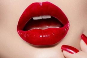 Besos y labios de mujer