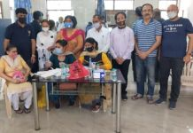 BJP General Secretary and District Immunization Convenor Dr. RN Singh inaugurated Kovid-19 Vaccination Camp at Indraprastha Colony along with District Media In-Charge Vinod Gupta