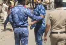 In the Jamai Colony of Barkhal region, a young man attacked a journalist with an iron rod, the police took him into custody