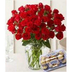 50 Red Roses In Glass Vase With 16 Pcs Ferrero Rocher Chocolate