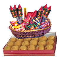 1 Kg Besan Laddoos with Assorted Crackers worth Rs 2000