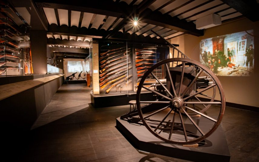 The Curtius Museum inaugurates a new floor for weapons of war: it's free this week