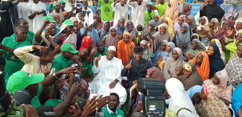 Osinbajo meets thousands of GEEP MarketMoni loan beneficiaries in Kano