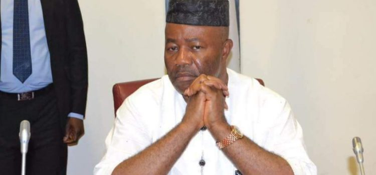 Akpabio's defection puts Buhari's anti-corruption war under the spotlight(opinion)