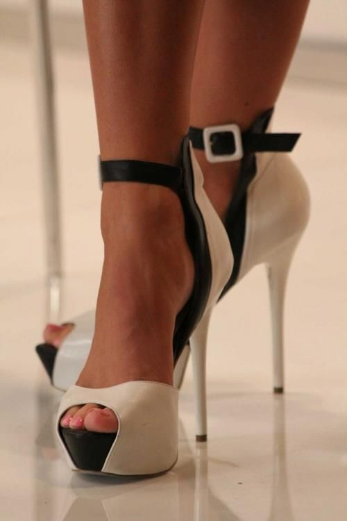 How to rock your heels gracefully, by Bola