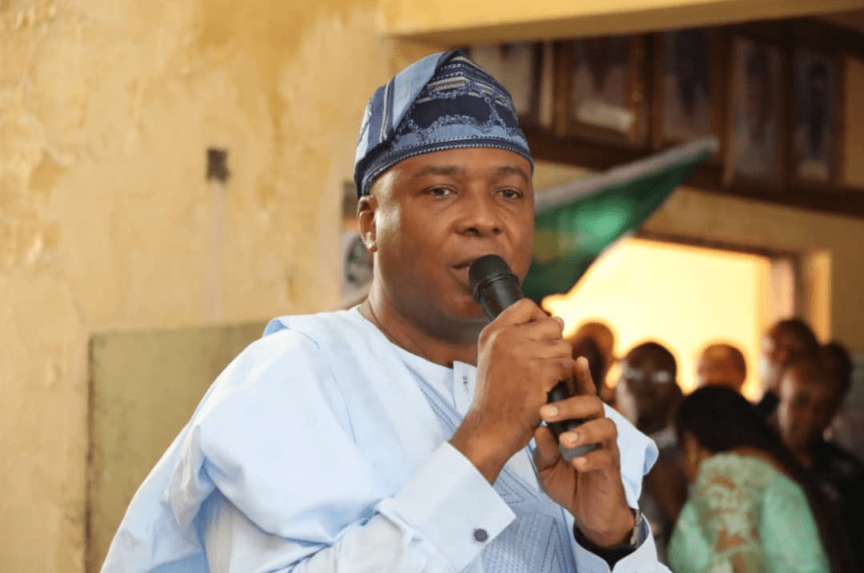 APC held caucus meeting because they want another postponement: Saraki