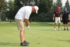 Brent Sutter putting