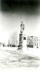 Cenotaph 1930's Red Deer Archives P2949