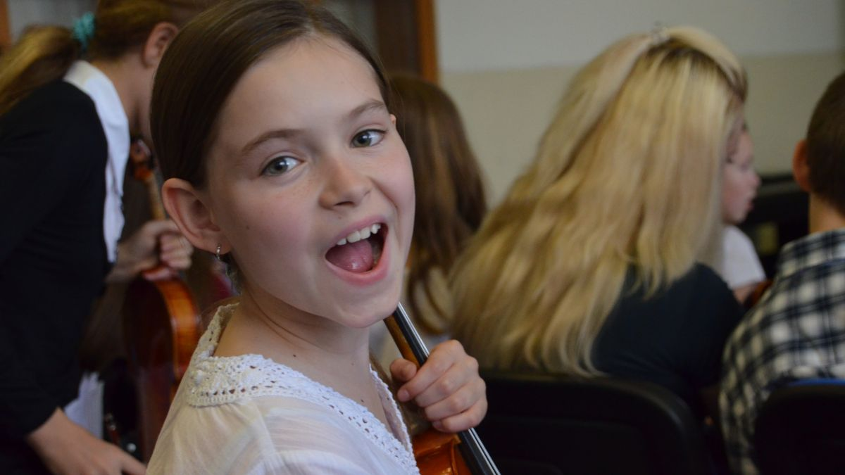Elisabeth's Mid-year Recitals (video)