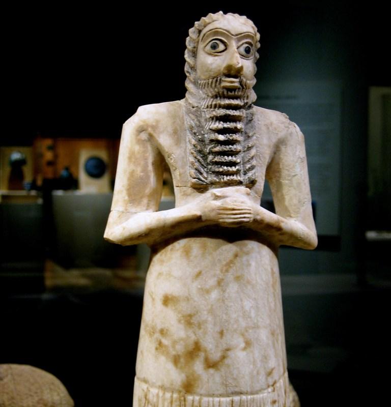 votive-statue