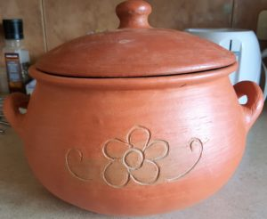 Clay pot to bake bread