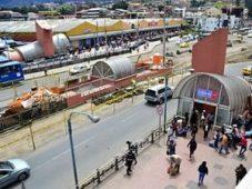 Entrance to under street walkway to Feria Libre (from http://www.eltiempo.com.ec/noticias-cuenca/175140-dos-ciudadanos-fueron-apua-alados-en-la-feria-libre/)