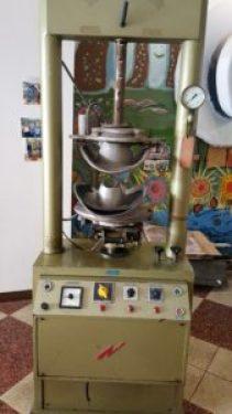 Semi-modern Panama Hat Machine