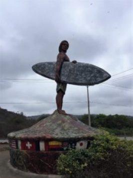 surfer-statue-montanita