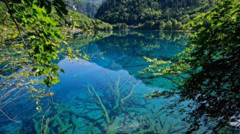 Jiuzhaigou-Valley-Sichuan-China