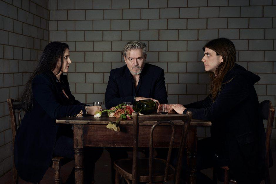 GRABER: Todgesagt, Pressebild 2020 mit Sara Schär, Jan Graber, Stefano Mauriello (v.l.) © Corinne Koch, 2020.