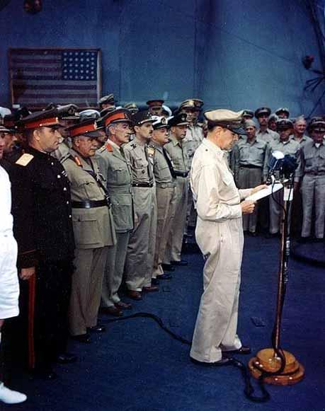 Ceremonia de rendición de Japón a bordo del USS Missouri