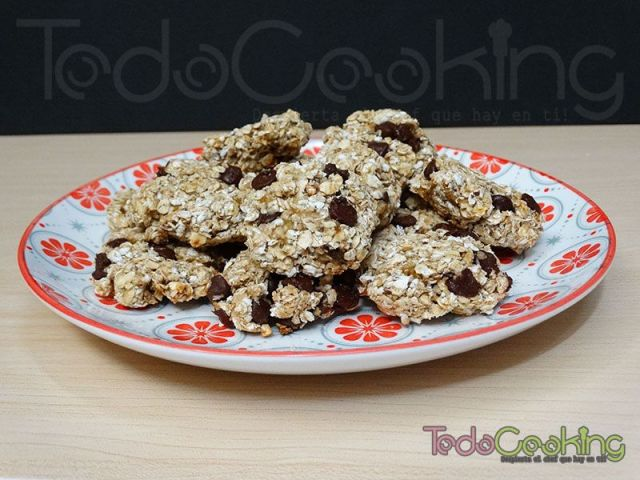 galletas de avena con chocolate y plátano