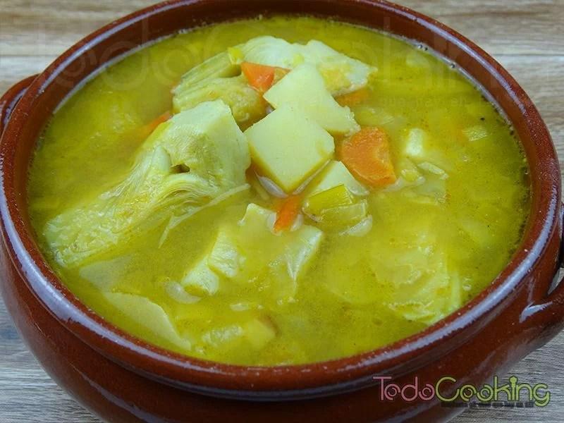 sopas y cremas reconfortantes - Sopa de alcachofas con curry