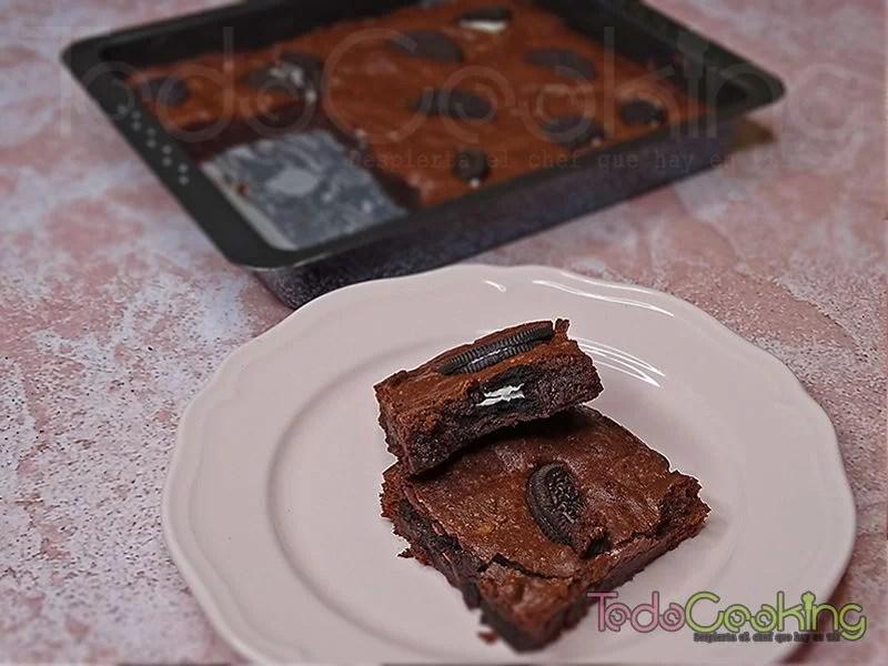 Brownie de chocolate con Oreo 01