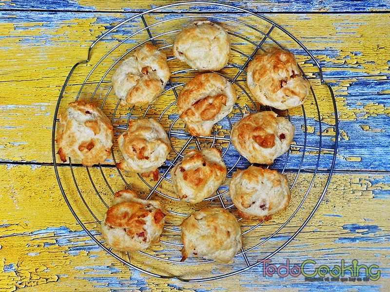 Gougères de queso con jamón 02