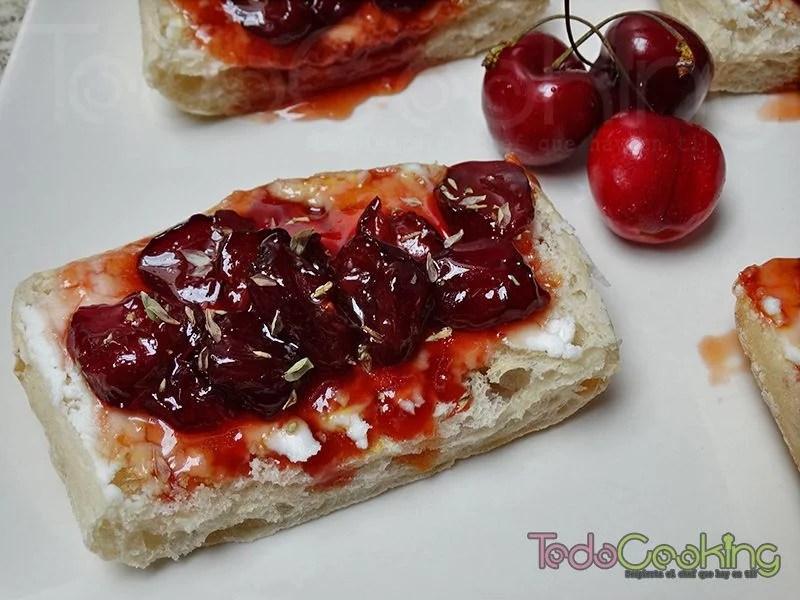 Tostas de cerezas con queso de cabra 02