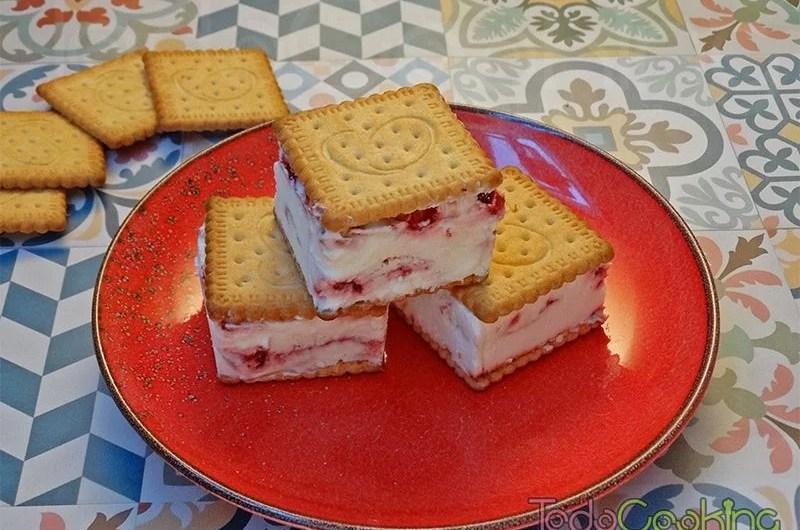 Sandwich helado de cheesecake con frambuesa 03