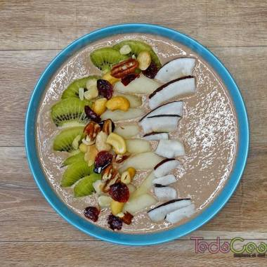 Smoothie bowl de cacao y avena 03