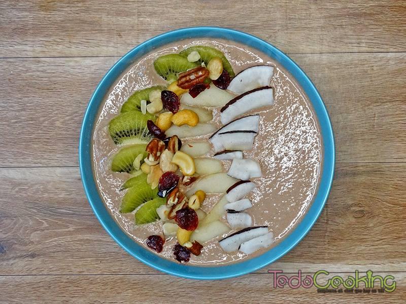 Smoothie bowl de cacao y avena 03