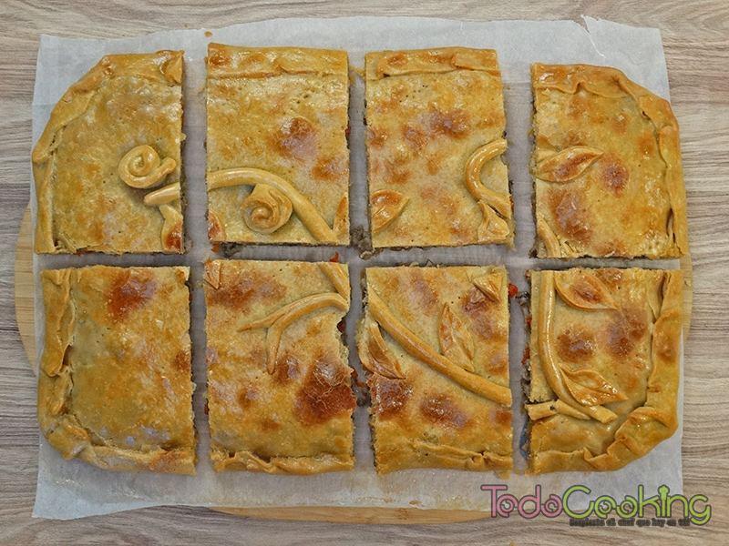 Empanada gallega de carne y setas 03