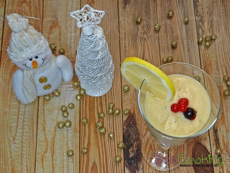 Smoothie granizado tropical con limón y jengibre 02