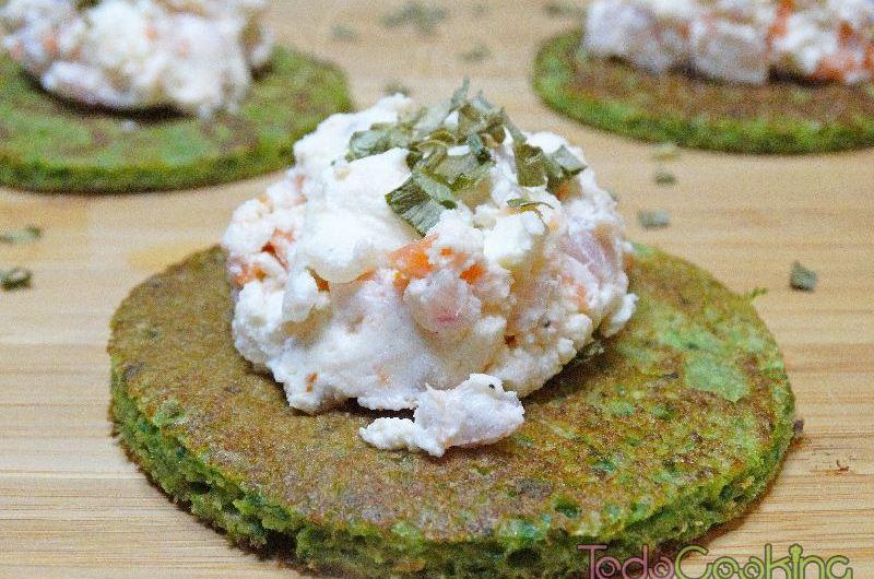 Tortitas de espinacas con requeixo y salmón ahumado