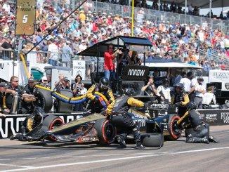 Repostaje en la Indycar