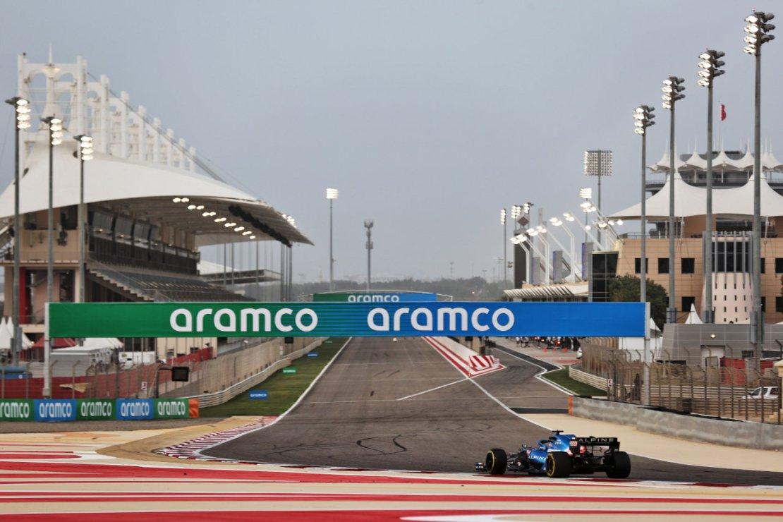 Alonso Bahrein pretemporada A521
