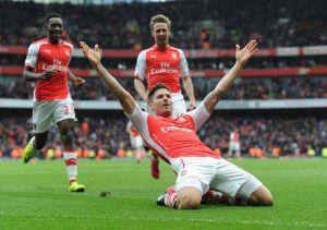 Olivier Giroud volvió a anotar en la victoria de Arsenal.