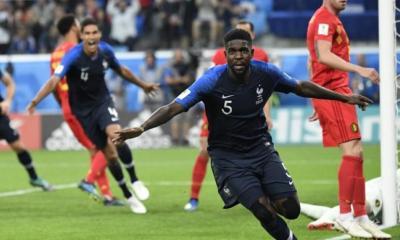 Umtiti ya celebra su gol de cabeza ante Bélgica. Francia a la final del Mundial de Rusia 2018.
