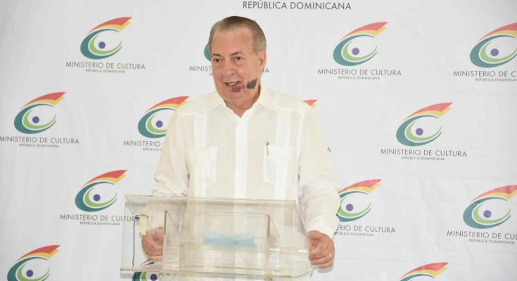 El ministro de Cultura, Eduardo Selman