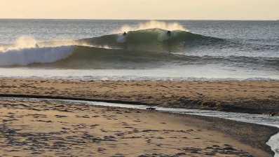 Doniños, surf canibal en Galicia
