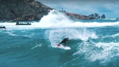 Gony Zubizarreta, embajador del surf salvaje de Galicia