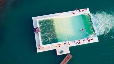 Descubre Unit Surf Pool