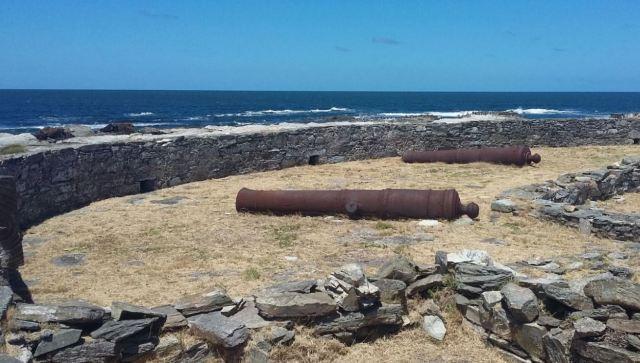 Restos coloniales de la Isla Gorriti