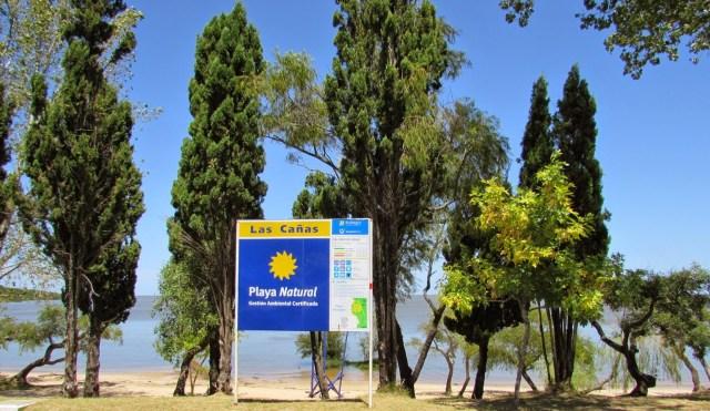 Cartel de bienvenida en Las Cañas